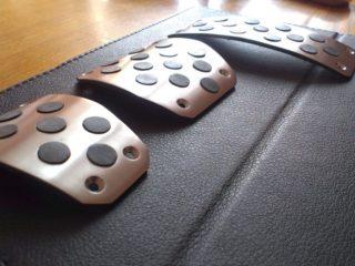 Накладки на педали – каприз или необходимый аксессуар?