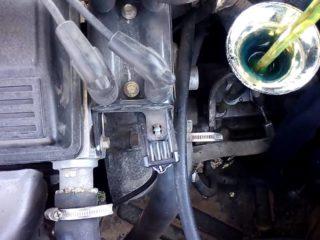 Как проверить уровень масла в механической коробке передач