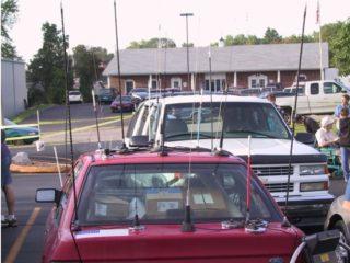 Почему на автомобилях перестали использовать металлические антенны