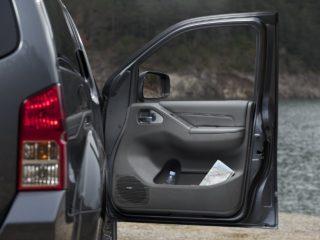 Как водители сокращают ресурс работы дверей автомобиля