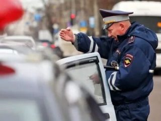 Обязательно ли садиться в патрульную машину ДПС по требованию инспектора