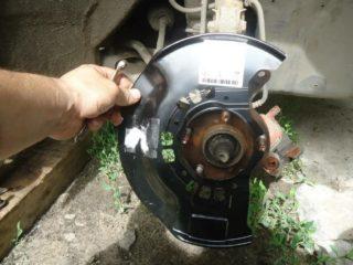 Нужно ли демонтировать тормозные щитки с автомобиля