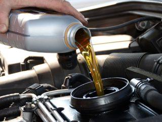 Почему некоторые водители, отдают предпочтение маслам в литровой таре