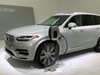 Volvo предложит россиянам гибридные кроссоверы