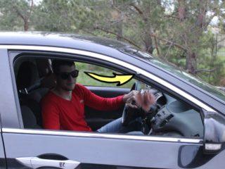Для чего на дверях некоторых авто, присутствуют загадочные клипсы из пластика