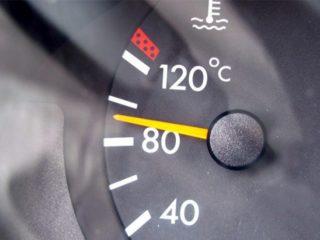 Стоит ли греть мотор, если на улице жарко