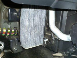 Замена фильтра салона на Ford Fusion (Форд Фьюжен) своими руками