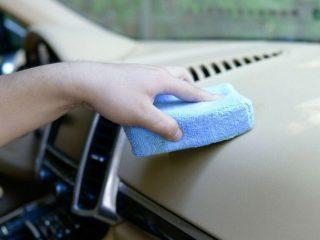 С помощью чего лучше наводить чистоту в салоне авто