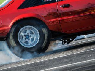 Почему автомобильные шины начинают свистеть