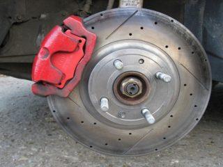 Как выбрать тормозные диски и как часто их стоит менять?