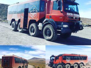 Туристический автобус для поездок по пустыне