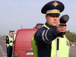 Сотрудник ГИБДД остановил машину не подходит: как быть в подобной ситуации