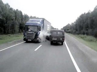 Как поступить, когда при обгоне неожиданно появился встречный автомобиль и едет на вас