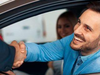 Как правильно покупать автомобиль с рук, чтобы не попасть на обман