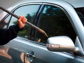 Ключи остались в автомобиле, а запасных нет: какое стекло лучше всего разбить, чтобы не тратить на ремонт большую сумму денег